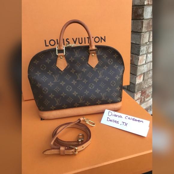 Louis Vuitton Bags   Soldauthentic Alma   Poshmark 477f04a273